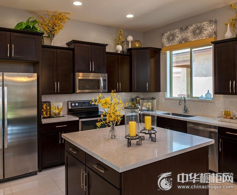 大户型厨房岛型橱柜装修效果图  岛型橱柜装修效果图