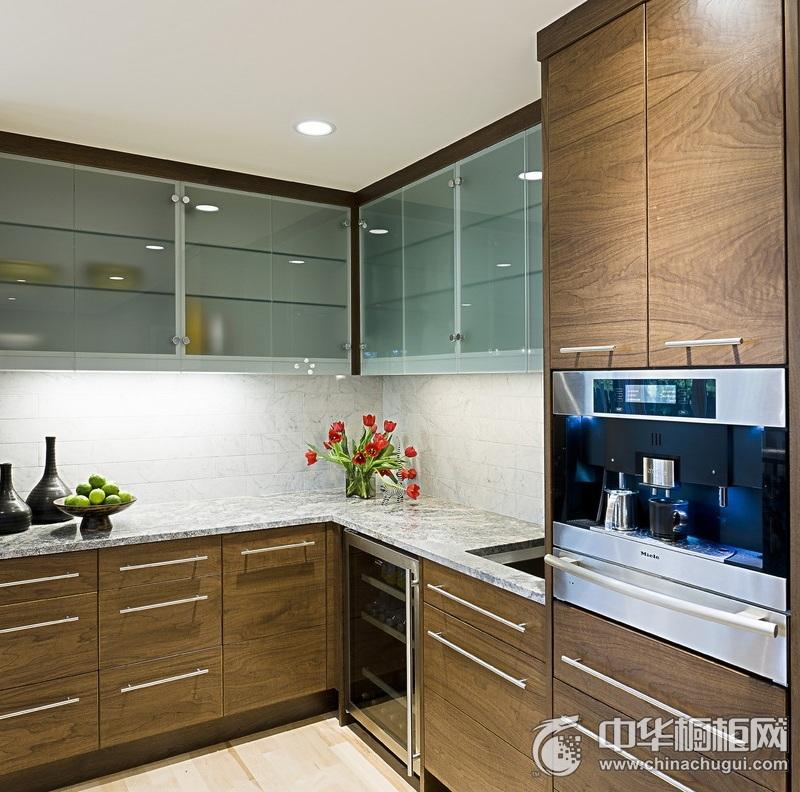 原木色L型橱柜装修效果图 打造简约风厨房空间