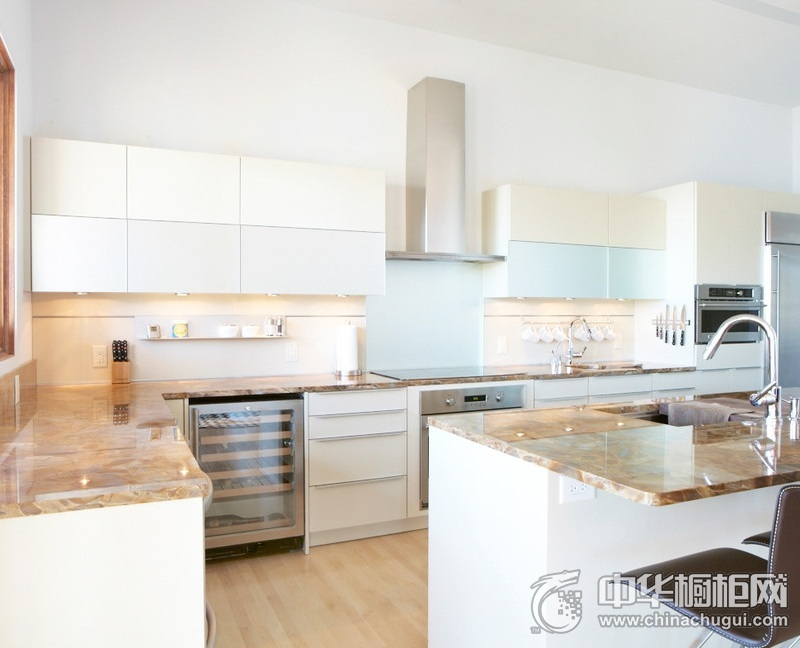 简约风格整洁厨房橱柜装修图片  简约橱柜装修