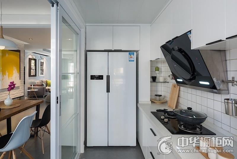 白色厨房烤漆整体橱柜图片 简约风格橱柜图片