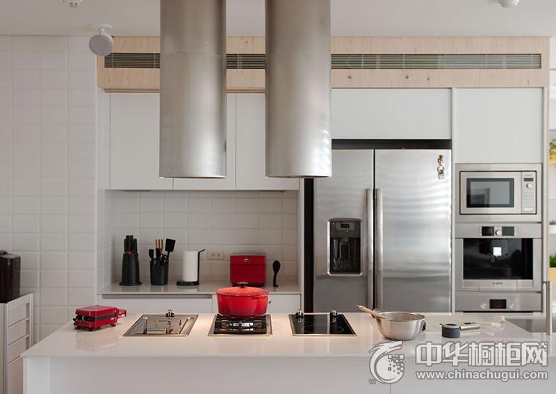 白色简约风格厨房装修效果图 白色烤漆橱柜效果图
