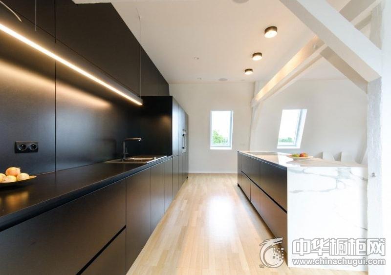 低调精致厨房黑色整体橱柜效果图 黑色橱柜设计图,