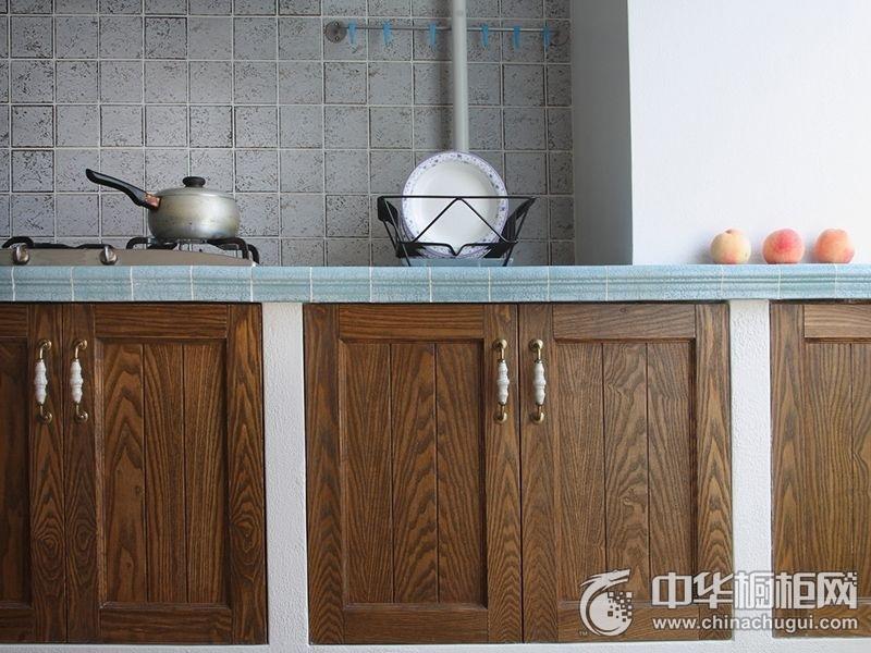 简洁家居实木橱柜装修实景图 厨房整体橱柜图片
