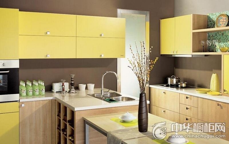 田园风格厨房整体橱柜装修实景图 黄色橱柜效果图