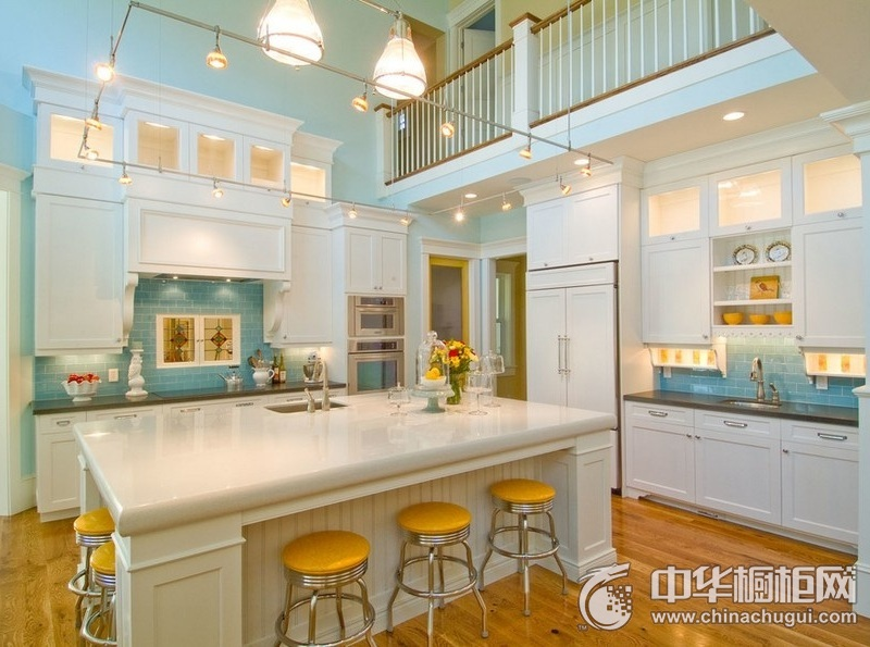 北欧风格别墅色厨房橱柜装修效果图 岛型橱柜效果图