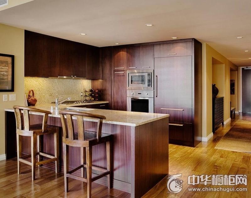 甜美厨房橱柜装修实景图 木纹整体橱柜图片