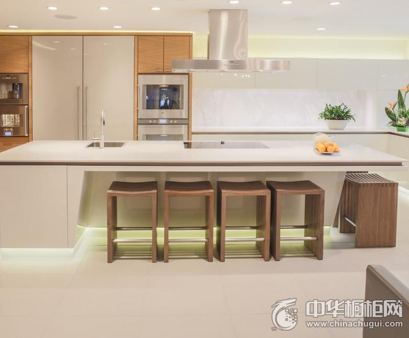简约风格厨房白色岛型橱柜效果图 纯白色整体橱柜效果图