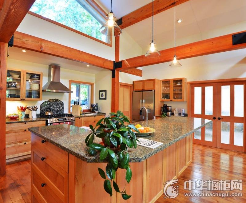 宽敞厨房空间实木橱柜装修设计图片 厨房整体橱柜图片