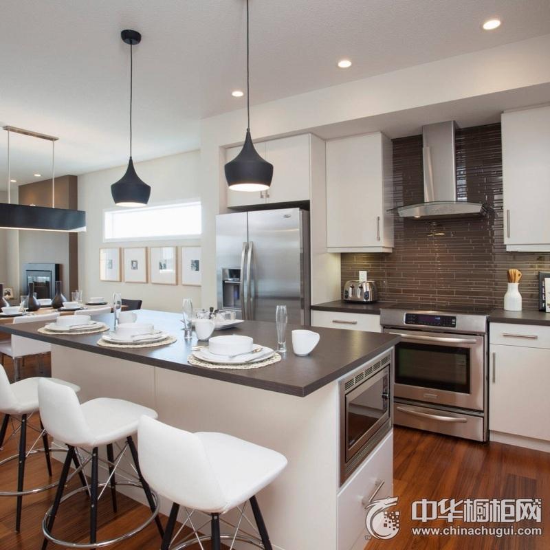 北欧风格白色厨房橱柜装修实景图 白色中岛台橱柜图片