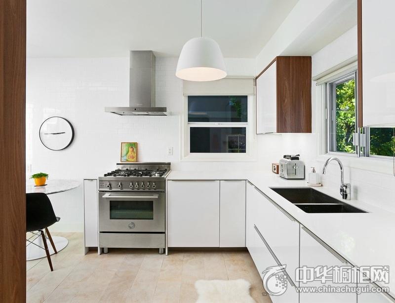 简约风格厨房白色整体橱柜装饰实景图 白色橱柜图片