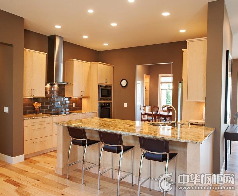 简洁风格白色厨房岛型橱柜设计效果图 厨房橱柜装修实景图