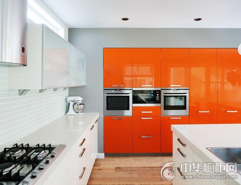 厨房纯白色简约橱柜图片 纯白色橱柜图片