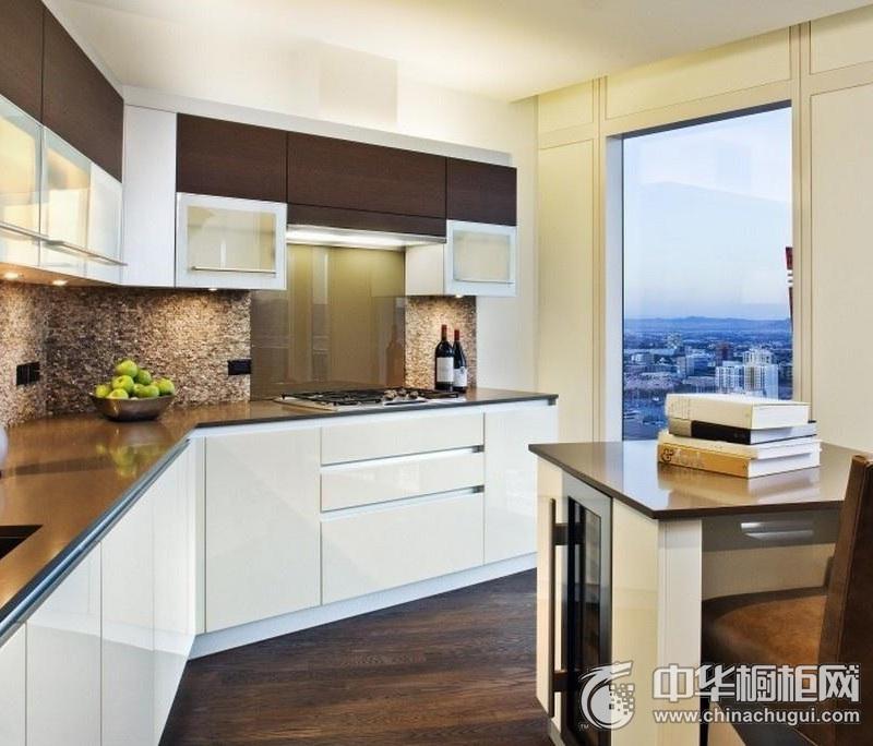 优雅简欧四居厨房橱柜装修效果图  欧式风格橱柜装修图