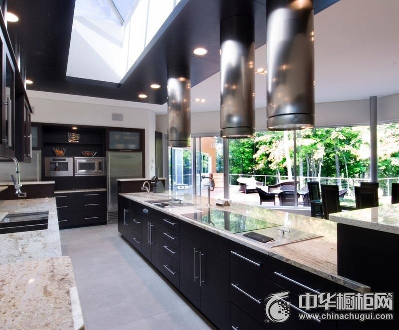 奢华欧式厨房黑色整体橱柜效果图 显出一份品味与内涵