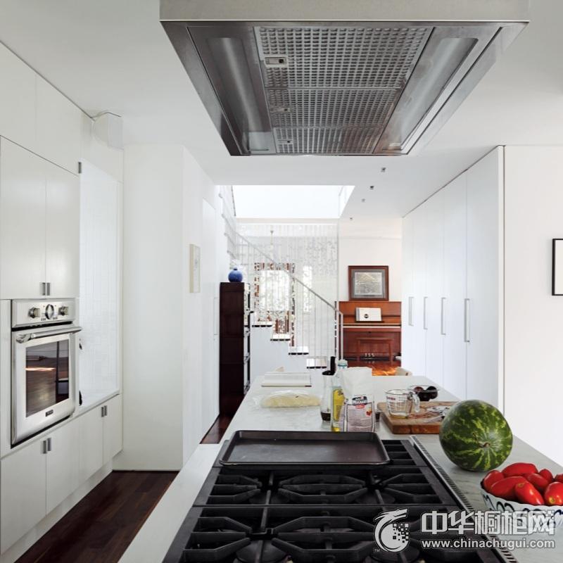 美式风厨房白色橱柜效果图 打造不平凡厨房设计