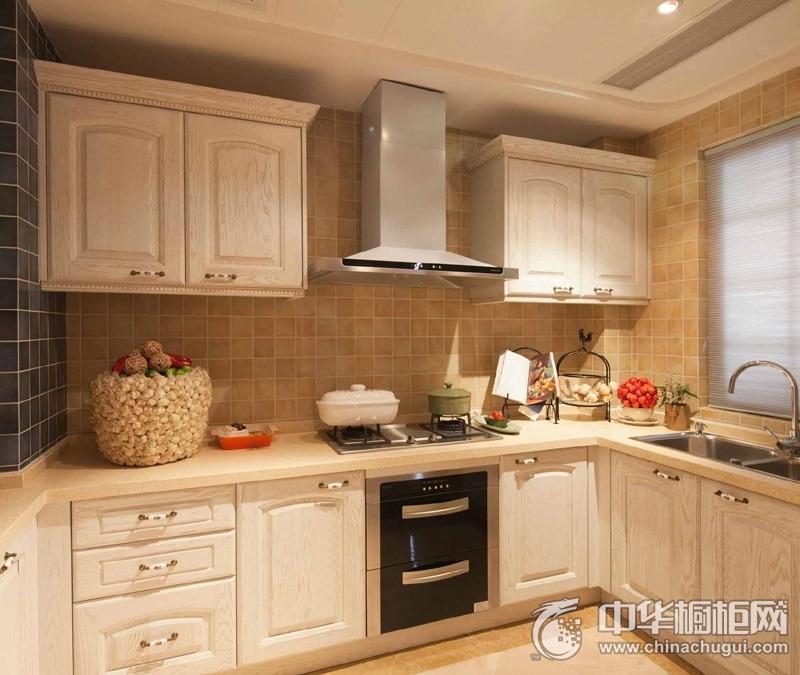 欧式风格米白色整体橱柜效果图 厨房实木整体橱柜效果图
