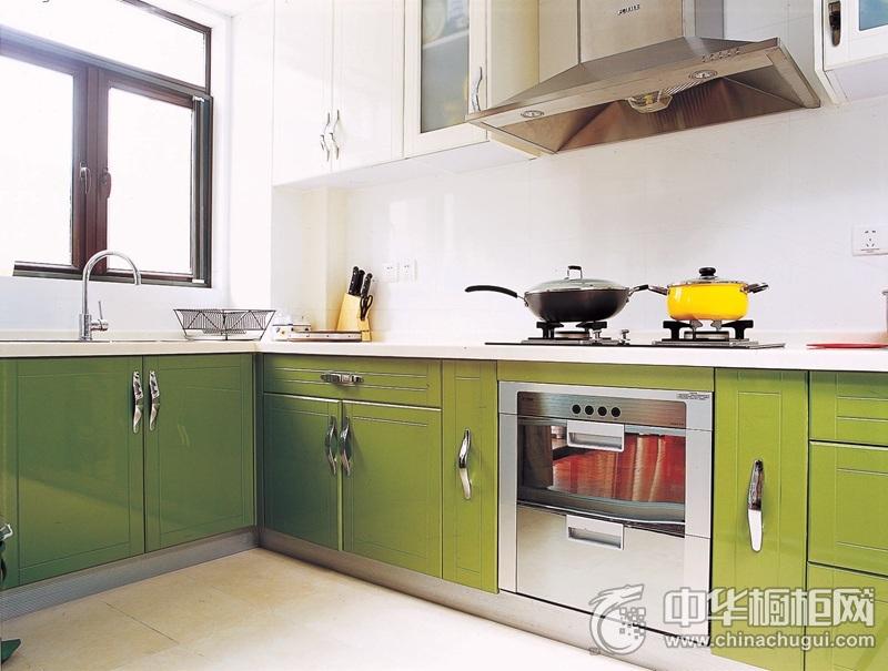 125㎡三居室厨房绿色橱柜装修效果图  绿色橱柜图片