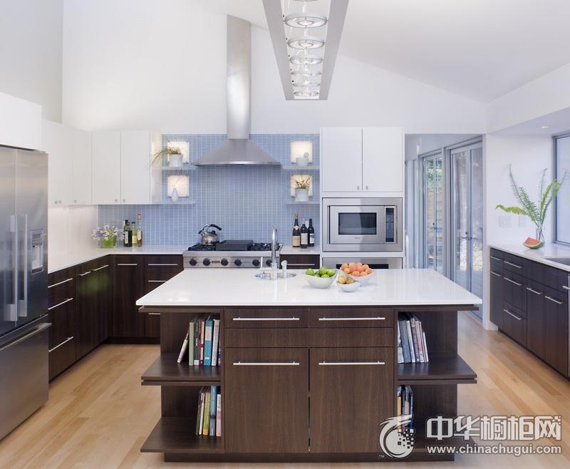大户型厨房木纹整体橱柜效果图 闲散舒适却华彩天成
