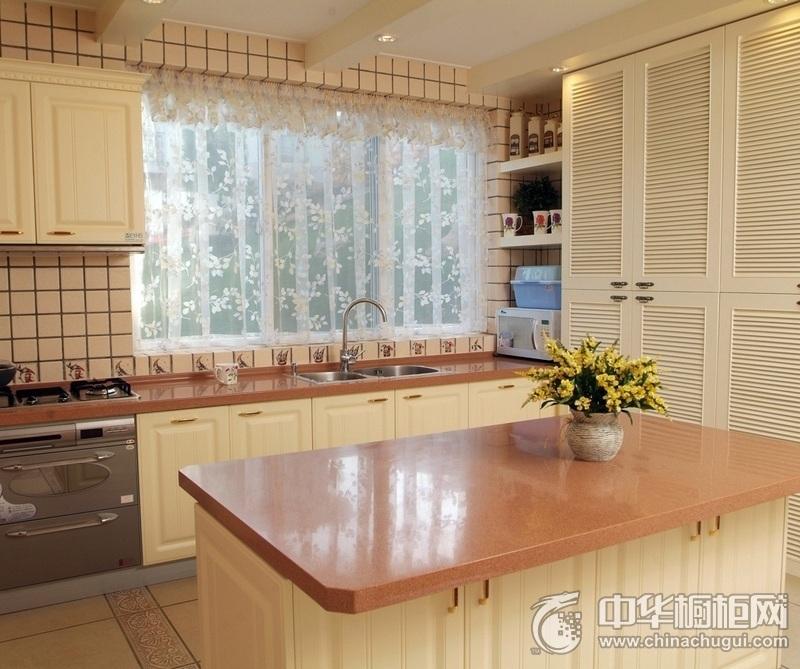温馨田园风厨房橱柜装修效果图 满足空间就餐所需