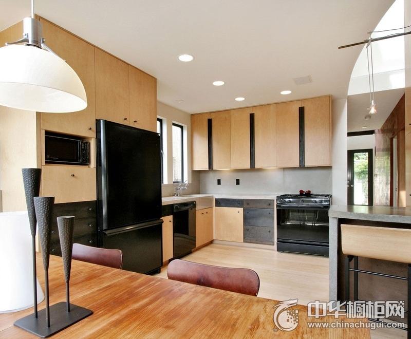 现代简约风厨房橱柜装修效果图 台面整洁主妇清扫无负担