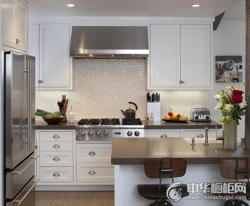 144平田园风格厨房橱柜装修效果图 给人大气文艺之感