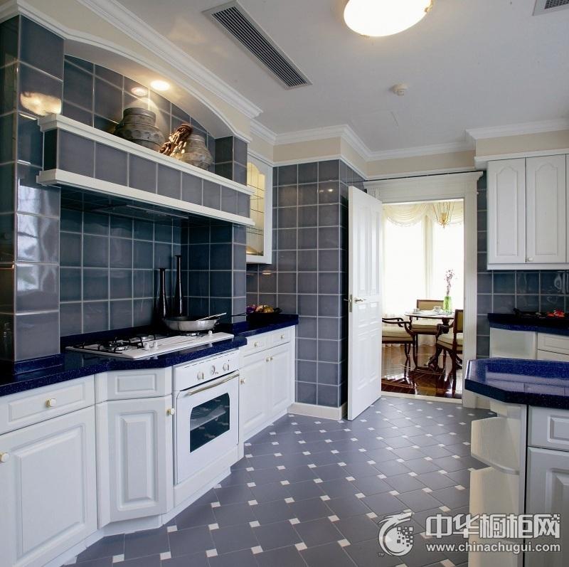 三居室地中海风厨房橱柜装修效果图 白色整体橱柜效果图