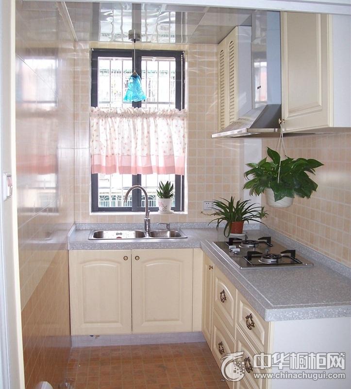 小清新简约风格米色厨房橱柜效果图 突出清爽明快的厨房空间