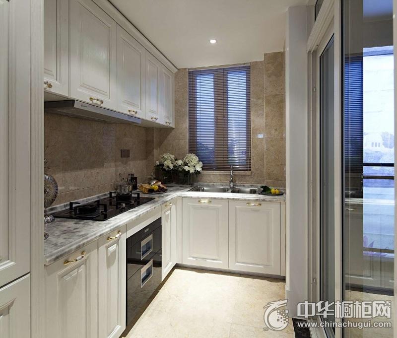 美式风格白色厨房整体橱柜效果图 细节精致而不繁琐