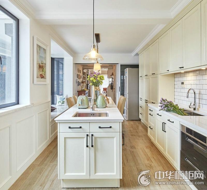 优雅端庄白色欧式风格厨房橱柜装修设计 经典时尚厨房打造