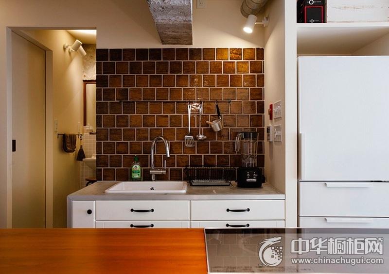 田园风格白色厨房橱柜装修实景图 小户型橱柜图片