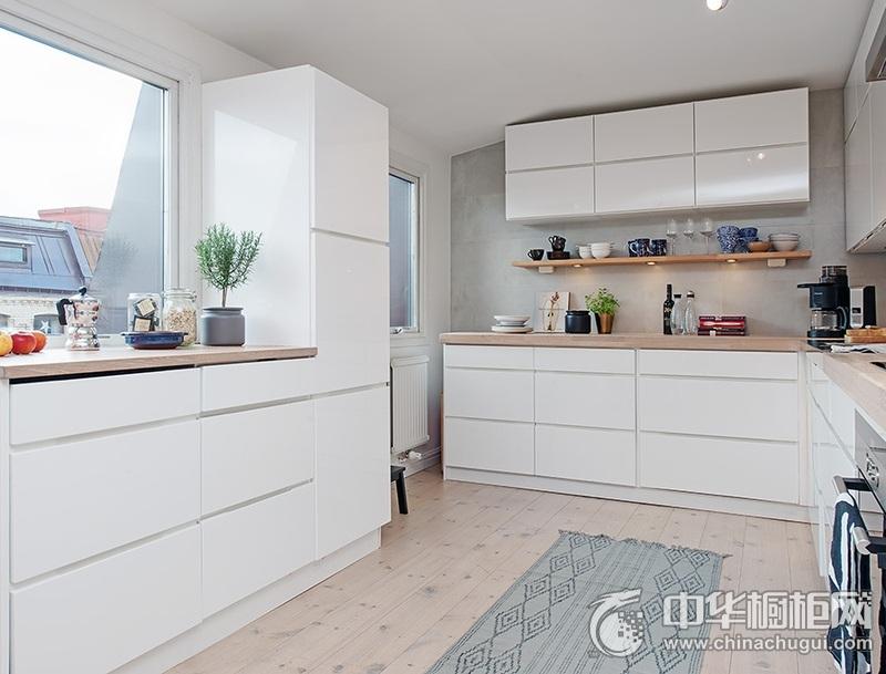 厨房双饰面门板橱柜效果图 白色整体橱柜装修效果图