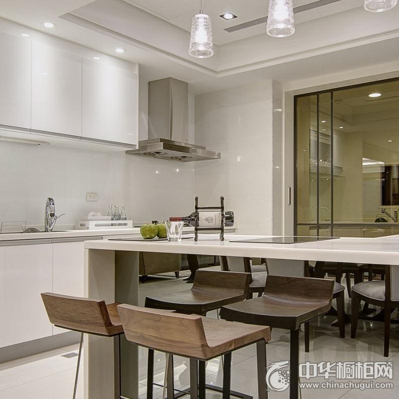 白色三居室厨房橱柜装修实景图 干净利落十足