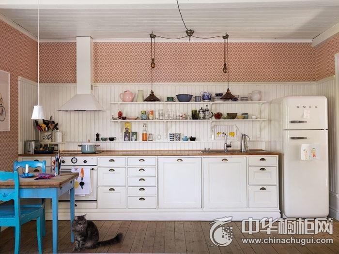 田园风格大气开放式厨房白色橱柜实景图
