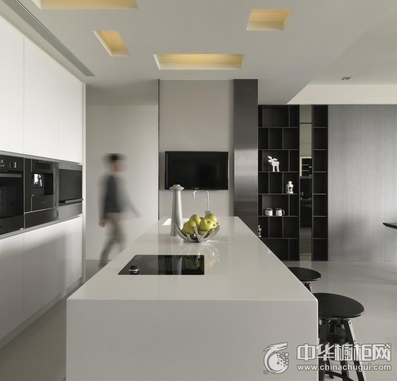 时尚厨房白色整体橱柜装修实景图 散发优雅现代魅力