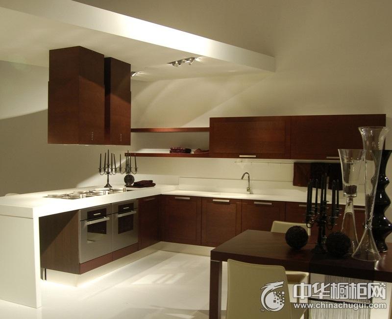 中式风咖啡色橱柜装修效果图 开放式厨房橱柜效果图