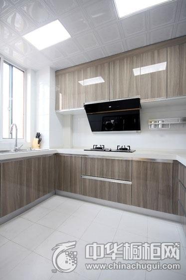 沉稳大气现代风格厨房橱柜装修实景图 木纹整体橱柜