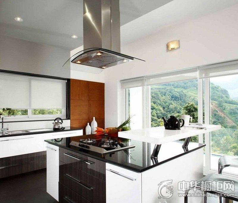 时尚简约厨房白色橱柜装修实景图 大户型整体橱柜图片