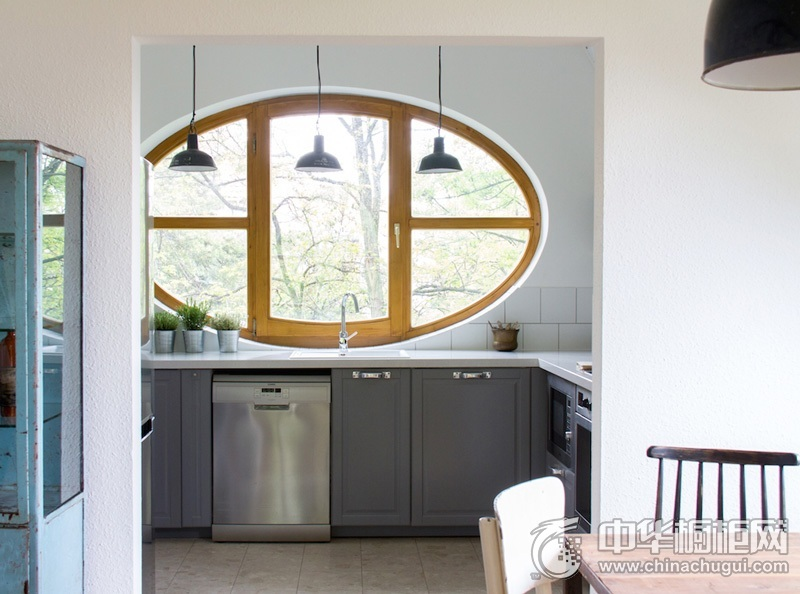 北欧风格厨房雅致灰色橱柜效果图 小户型整体橱柜效果图