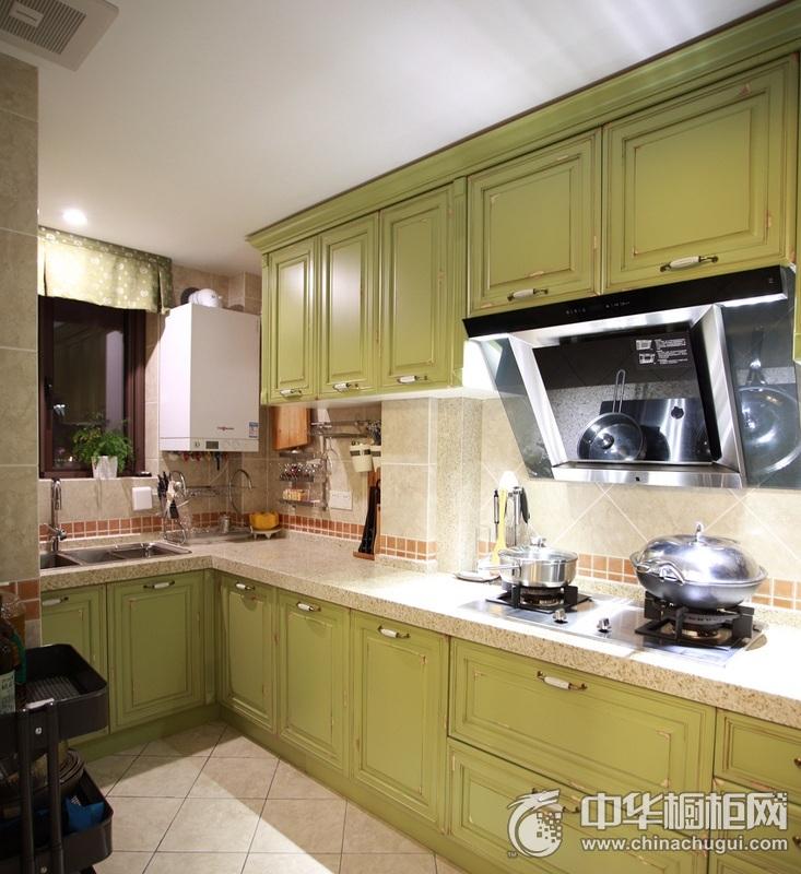 清新绿色美式风格厨房橱柜装修实景图 L型整体橱柜图片
