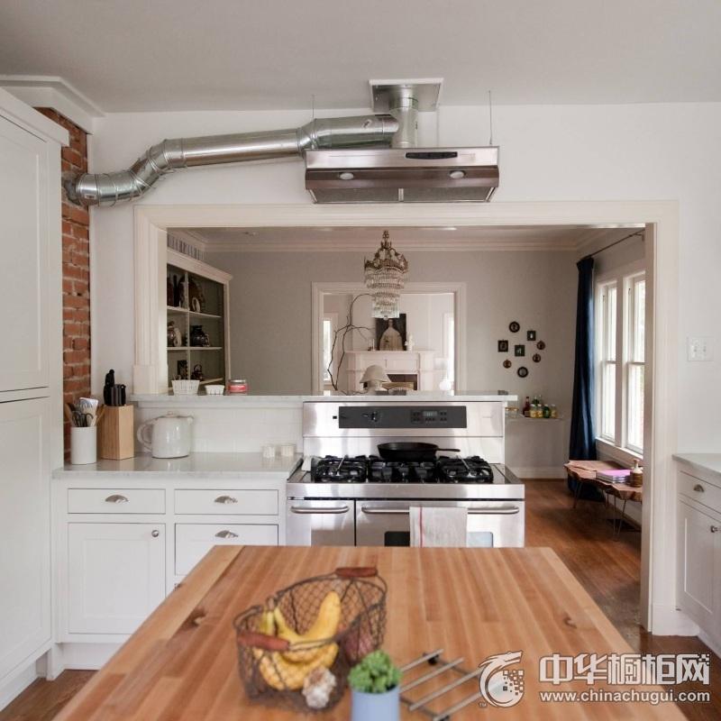 现代简约风格白色橱柜装修实景图 开放式厨房橱柜图片