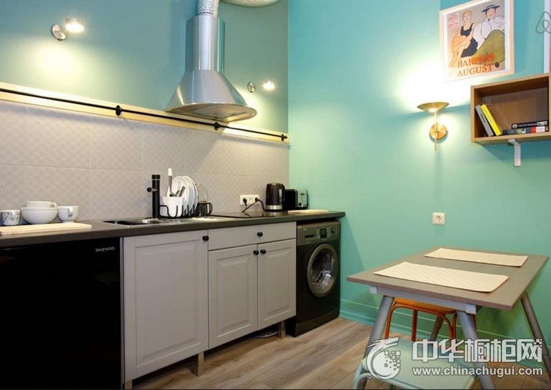 小户型简洁厨房黑白橱柜装修实景图 一字型整体橱柜图片