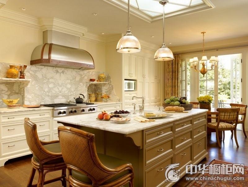 欧式别墅厨房橱柜装修效果图  田园风格整体橱柜设计图