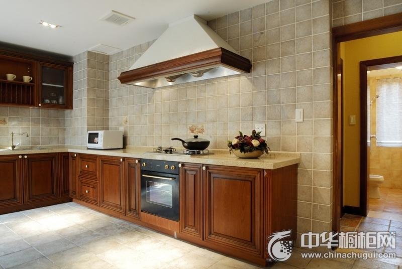 89平二居室厨房实木整体橱柜设计效果图 实木橱柜效果图大全