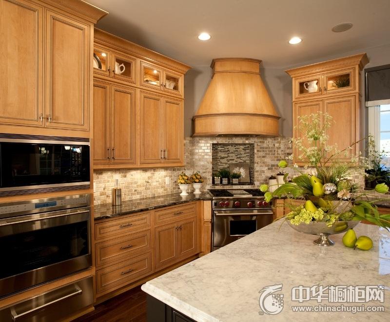 美式乡村风格厨房橱柜装修实景图 实木整体橱柜效果图
