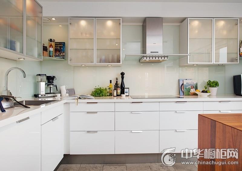 简约风格装修白色整洁橱柜图片 厨房整体橱柜图片