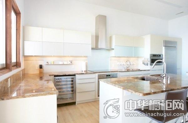 现代简约风格白色橱柜装修实景图 厨房整体橱柜装修图片