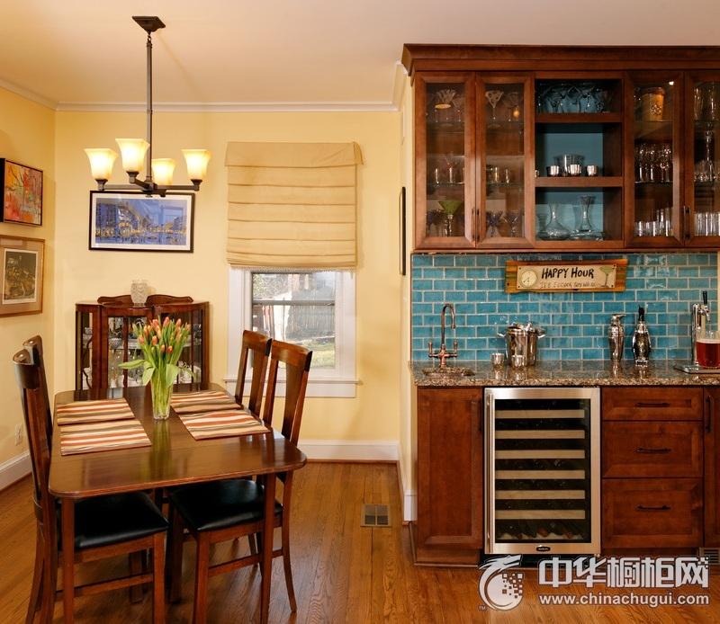 美式家居原木色橱柜装修实景图 厨房橱柜装修实景图