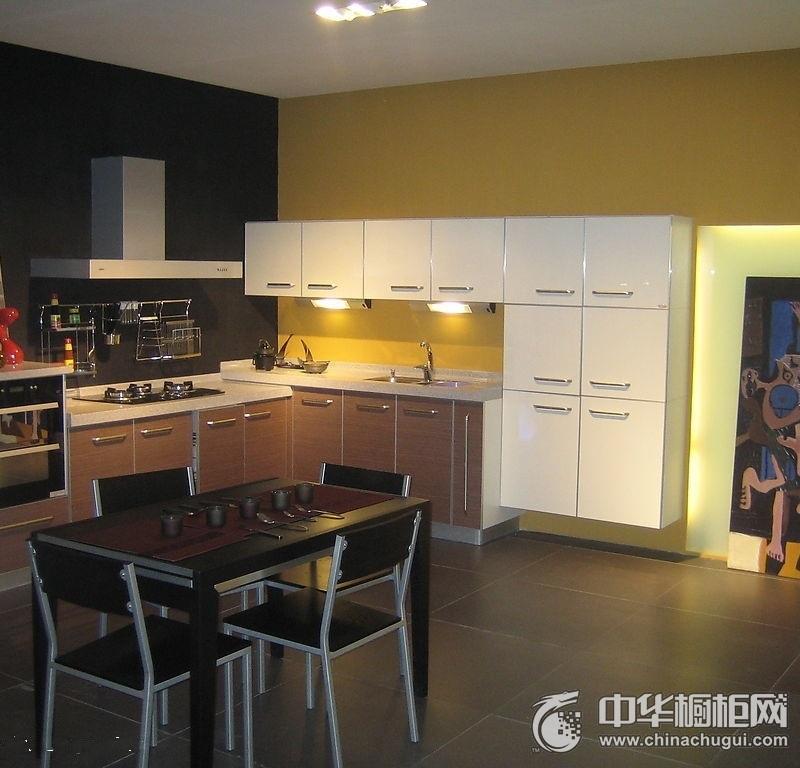 三居室简约风厨房橱柜装修效果图 整体橱柜效果图