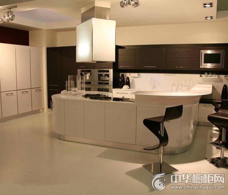 281㎡别墅厨房白色橱柜装修效果图 白色整体橱柜效果图