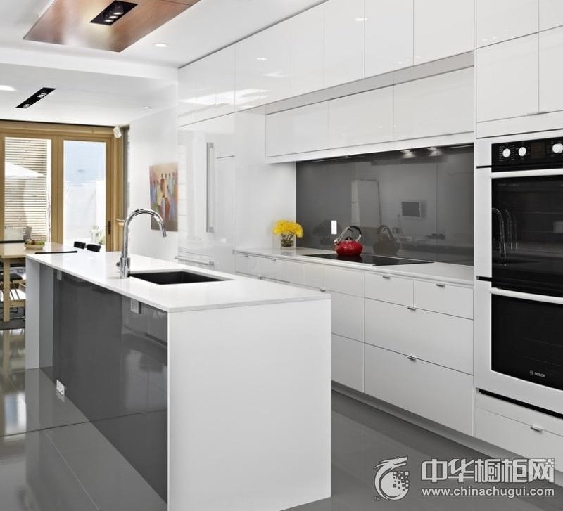 现代风四居厨房白色橱柜装修效果图 整体橱柜效果图